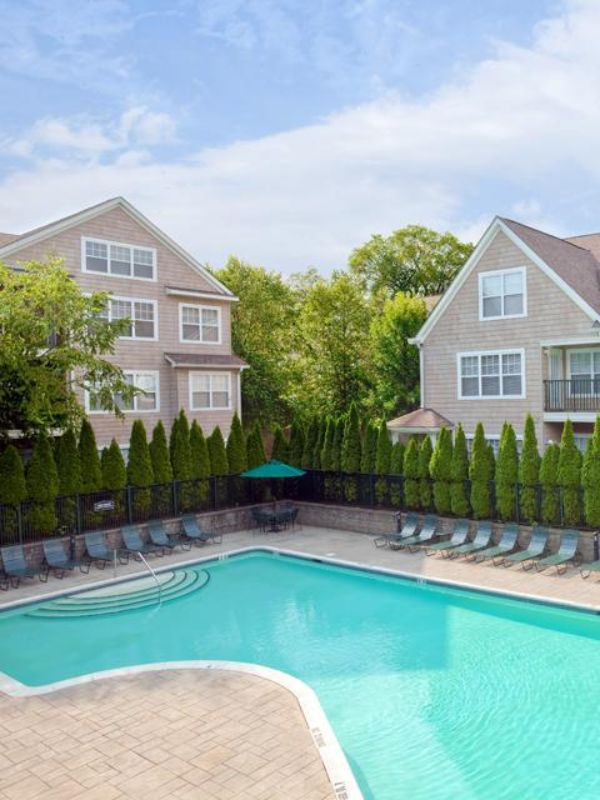 137 Hollow Tree Ridge Road Darien CT Apartment for Rent