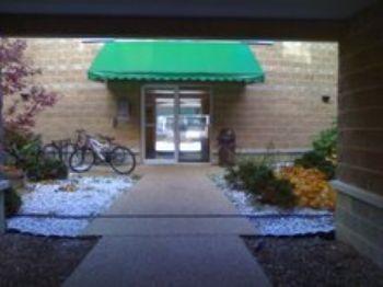 215 E. Douglas St., Bloomington, IL, 61701