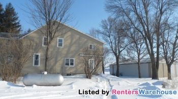 8675 County Road 10 E Waconia MN Home for Rent