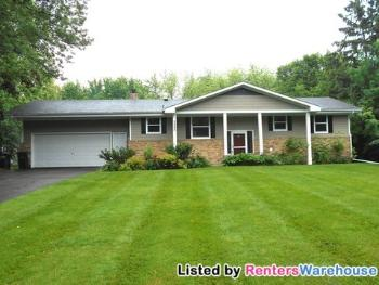 2495 Bobolink Rd Long Lake MN Home for Lease