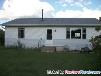 52315 Basswood Rd W Stanchfield MN Rental House