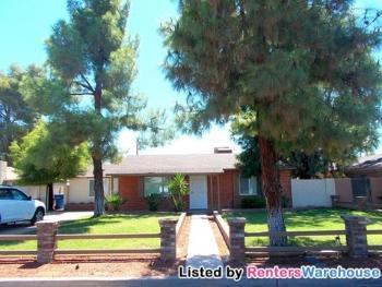 2817 E Earll Dr Phoenix AZ House Rental