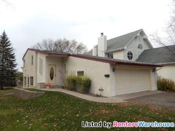3950 Crystal Lake Blvd Robbinsdale MN Home Rental
