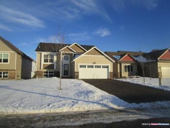 12405 Midway Cir Ne Blaine MN Rental House