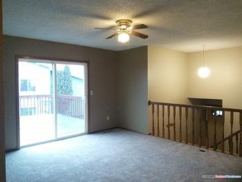 7049 19th St N Oakdale MN Home Rental