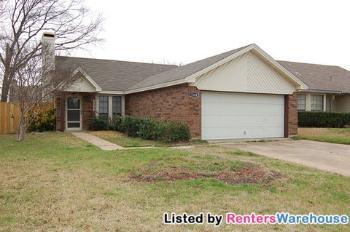 5308 Carpenter Dr Arlington TX Rental House
