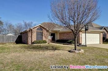 400 Willow St Crowley TX Home For Lease by Owner