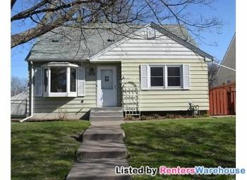 1939 Montana Ave E Saint Paul MN House Rental