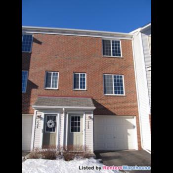 Townhouse for Rent in Anoka