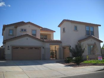 Large 5 bed in Phoenix w/ separate guest house!