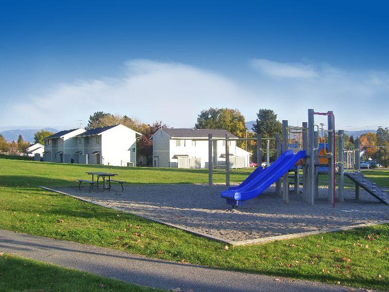 Brookstoneplayground2 61e2c62