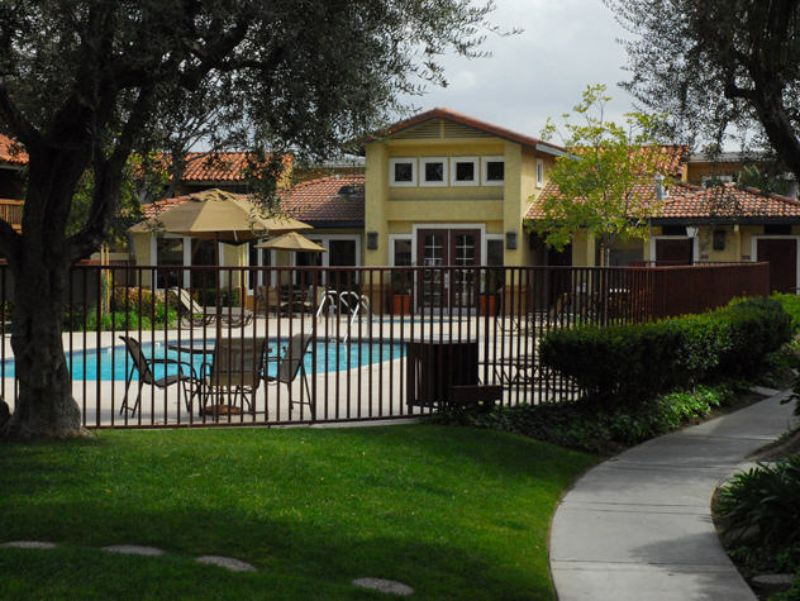 Apartment for Rent in Fountain Valley