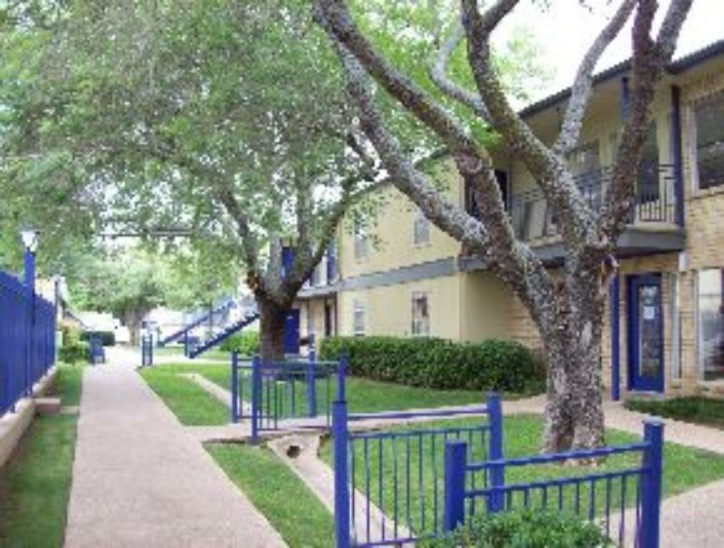 400 E Pioneer Parkway Arlington TX For Rent by Owner Home