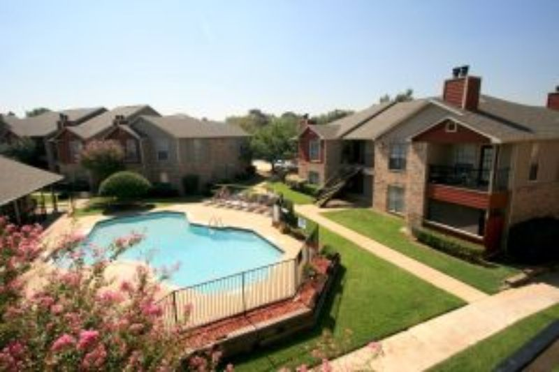 Arkansas Ln Arlington TX Home Rental