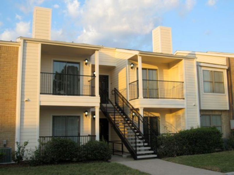 Northwest 2 bedroom rental at 5555 holly view dr houston tx 77091 2 755 apartable for 2 bedroom apartments under 800 houston tx