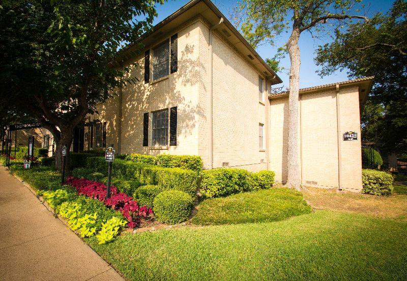 10429 Lone Tree Lane Dallas TX House Rental