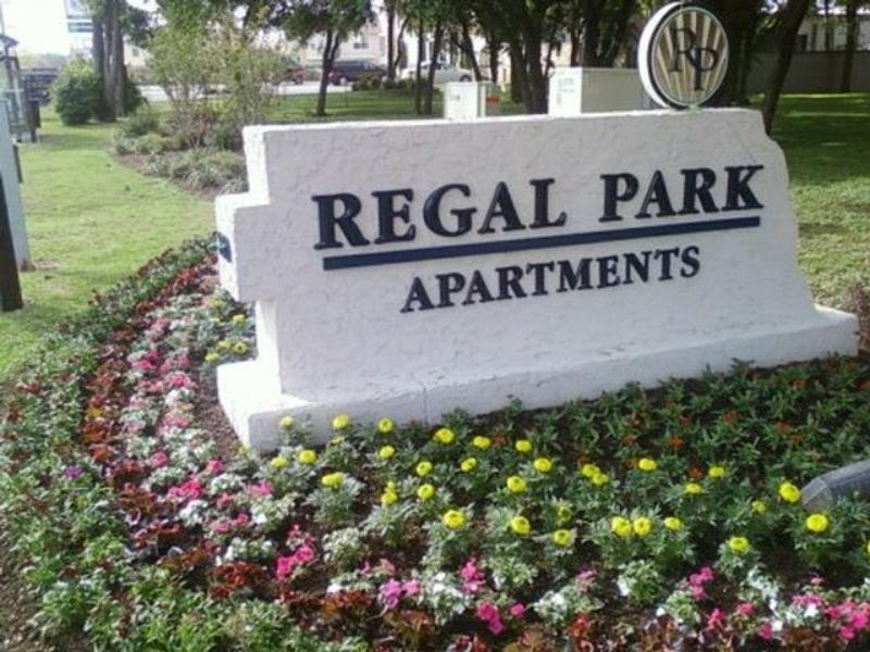 Apartments - Regal Park
