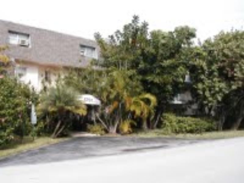 5791 SW 74th Terrace Miami FL For Rent by Owner Home