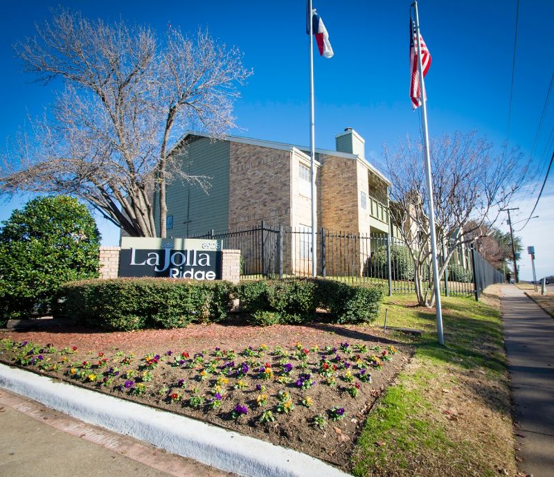 8925 Randoll Mill Rd Fort Worth TX Home for Lease