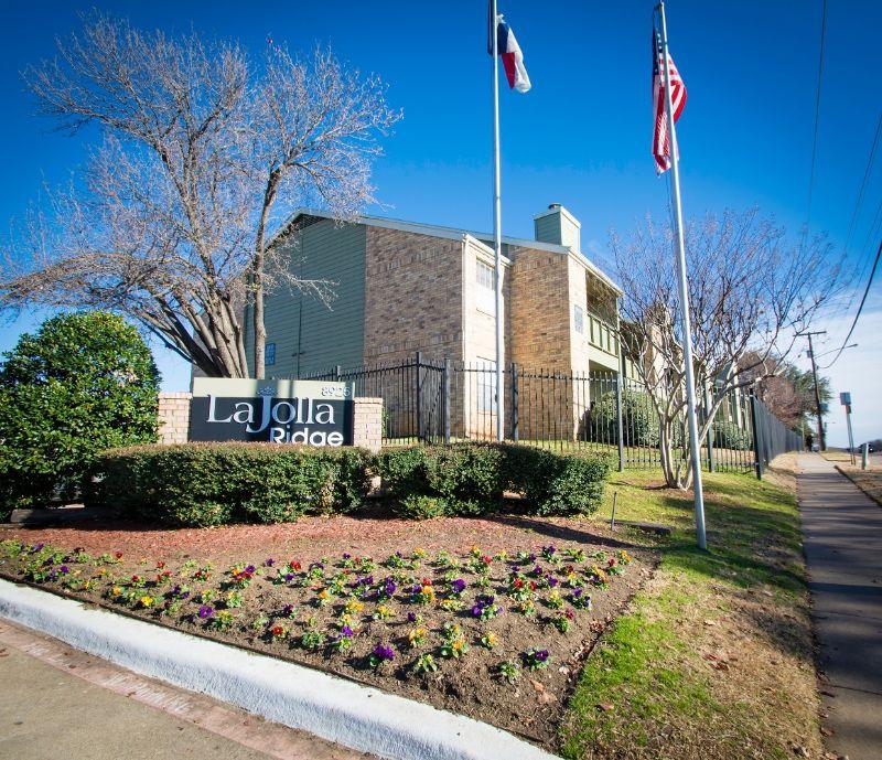 8925 Randoll Mill Rd Fort Worth TX House Rental