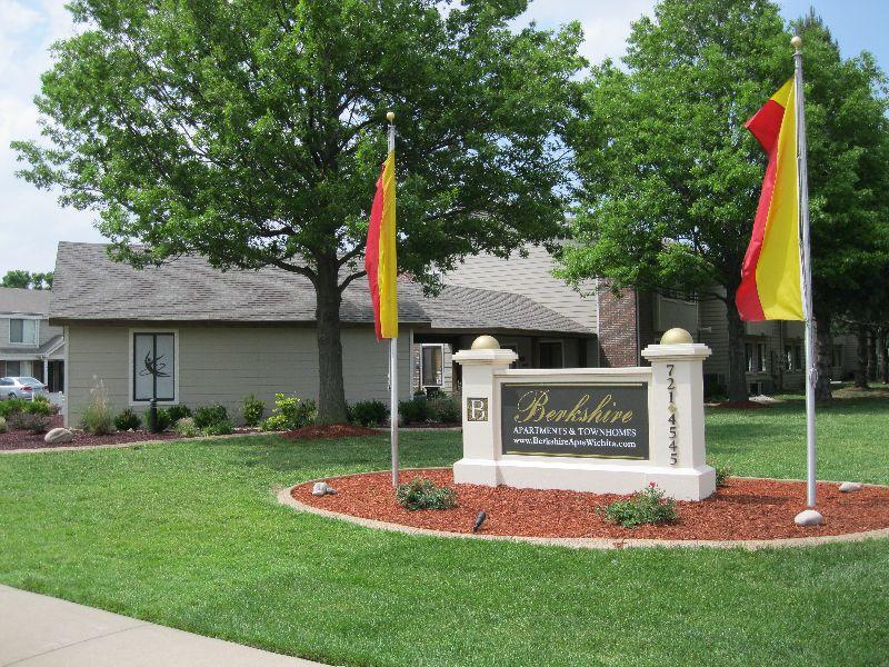 vacation rental 70301184776 Winfield KS