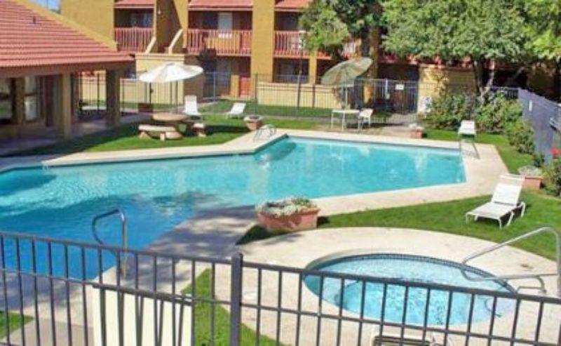 8344 N. 67th Ave. Glendale AZ Home Rental