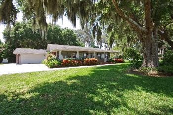 609 Lakeshore Dr Eustis FL Home For Lease by Owner
