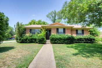 805 Jeran Dr Dallas TX Rental House