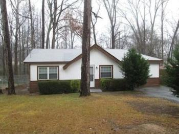 5795 Hillside Dr Atlanta GA Home Rental