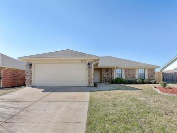 8213 April Ln Watauga TX Rental House