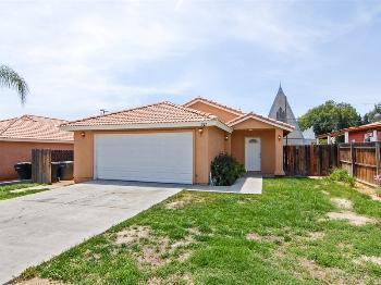371 W 2nd St Perris CA Rental House