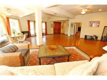 vacation rental 70301195419 Schulenburg TX