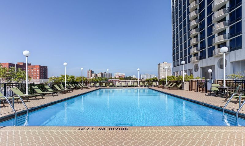 Pool b9066848