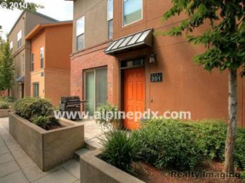 Condo for Rent in Hillsboro