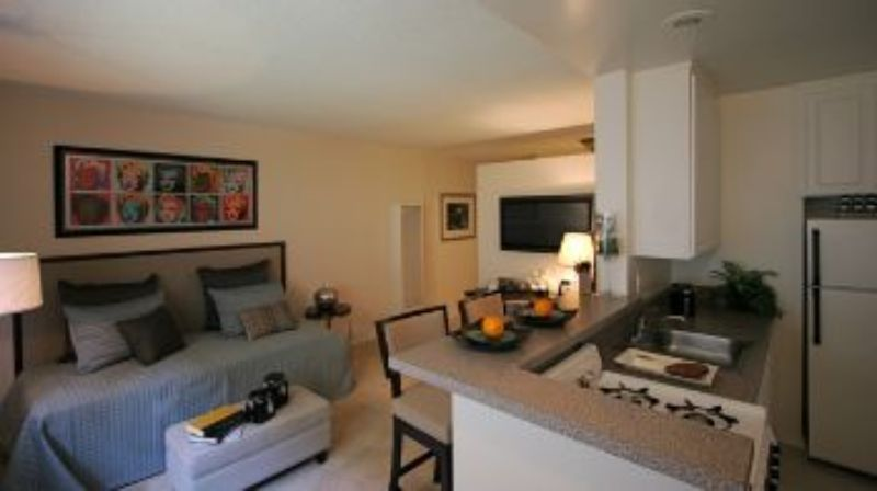 5351 San Vicente Boulevard Los Angeles CA Apartment for Rent