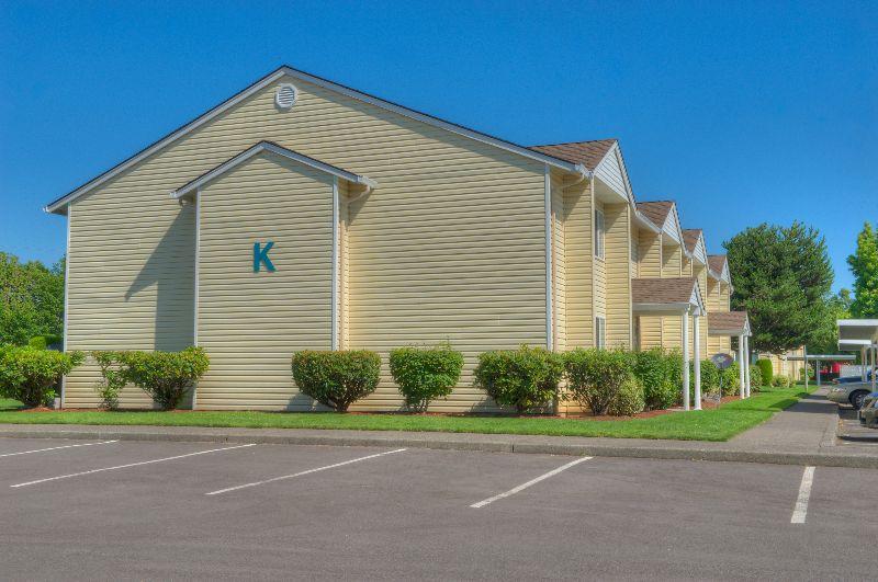 Montereybuilding a3f2c4d0