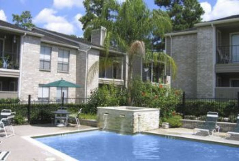8 Poolside Ct Baltimore MD Home Rental